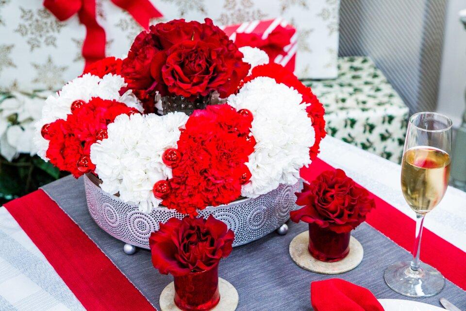 DIY Holiday Floral Arrangement