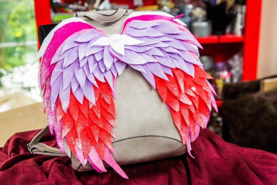 hf5043-product-wings.jpg
