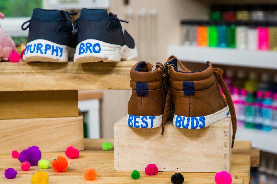 hf7149-product-shoes.jpg