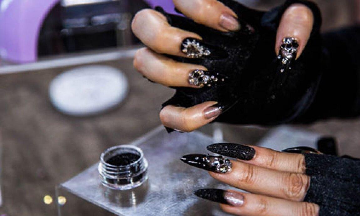 hf-ep2019-product-segment-halloween-nails.jpg