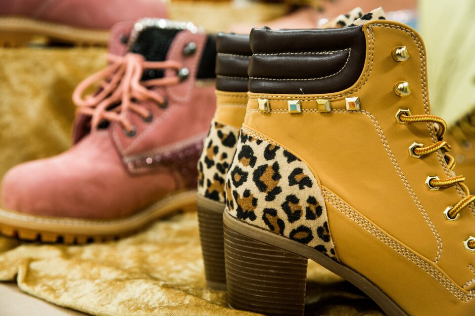 hf4188-product-boots.jpg