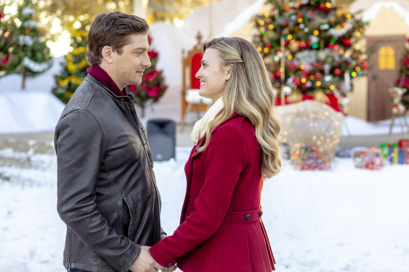 Photos from Christmas in Love - 11