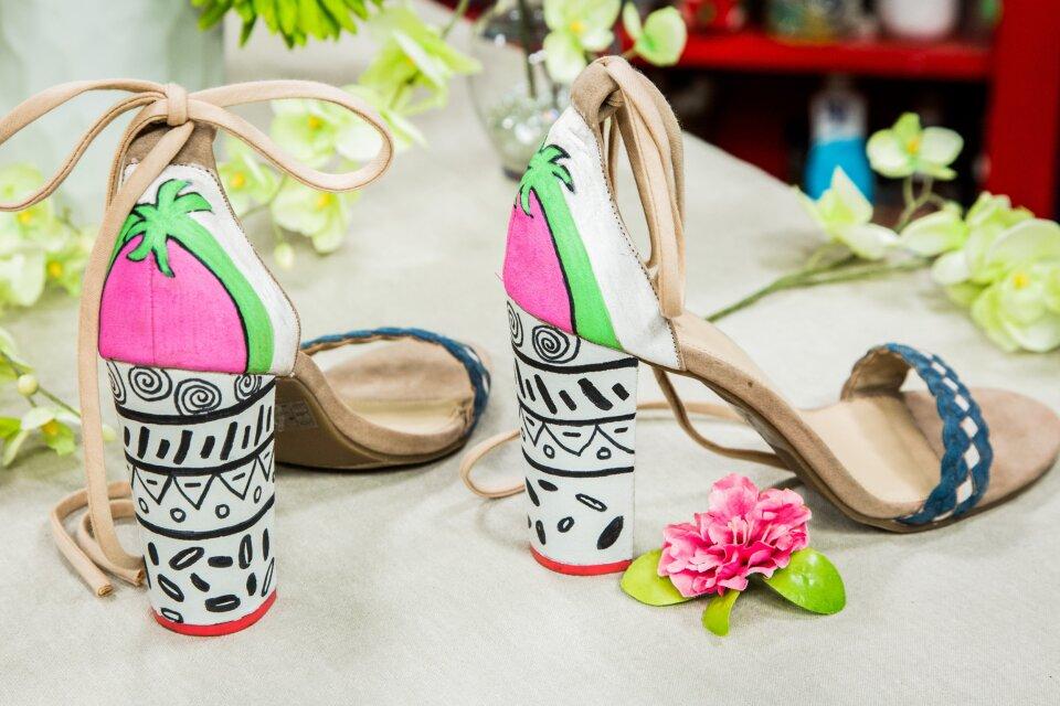 hf4225-product-shoes.jpg