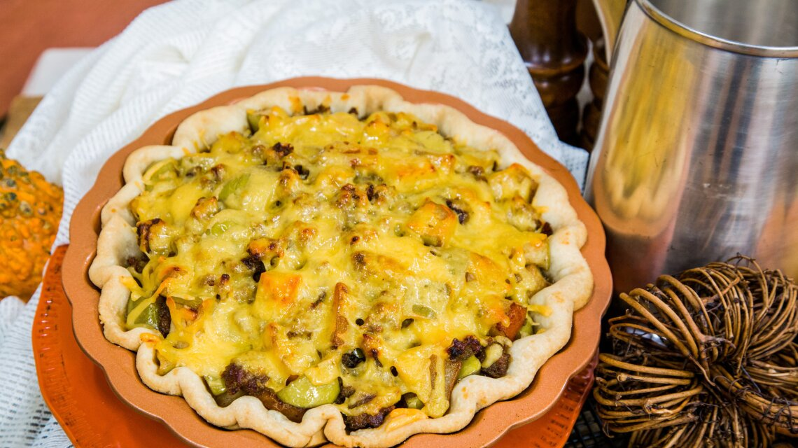 Apple, Pear, and Sausage Breakfast Pie