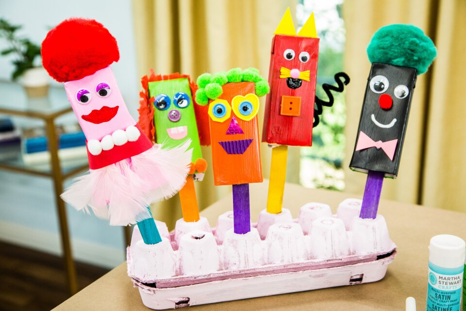 hf5251-product-puppets.jpg