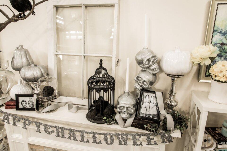 Elegant Halloween Mantle