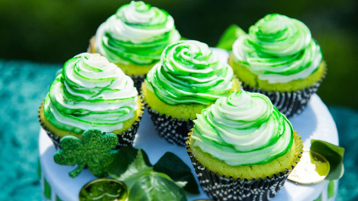 product-recipe-cristina-key-lime-cupcakes-ep1117.jpg