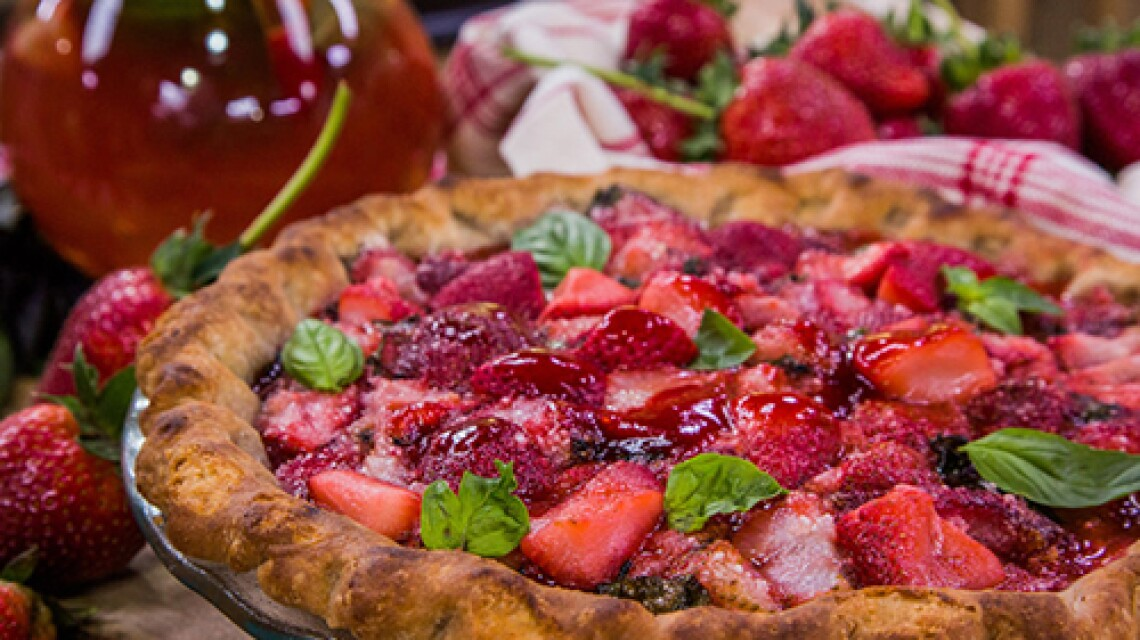 hf-ep2155-product-strawberry-basil-pie.jpg