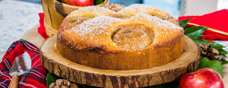 Apple Ornament Cake