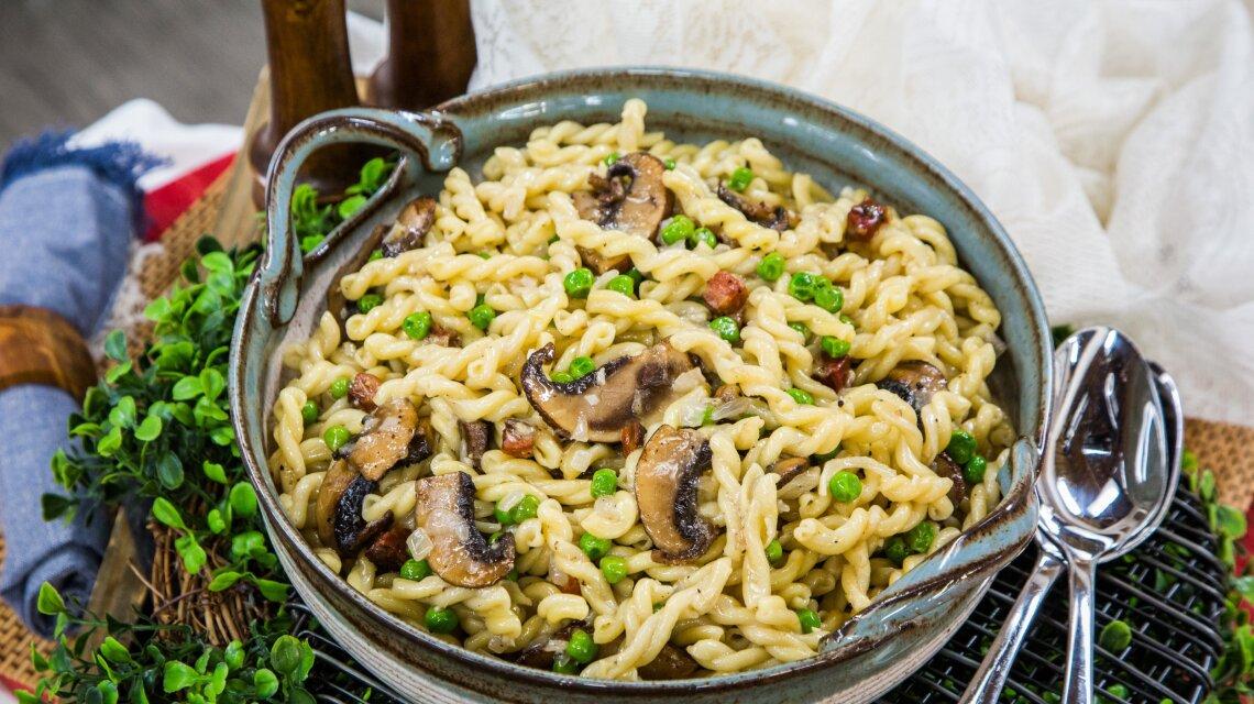 Portobello Pecorino Pancetta and Pea Pasta Recipe