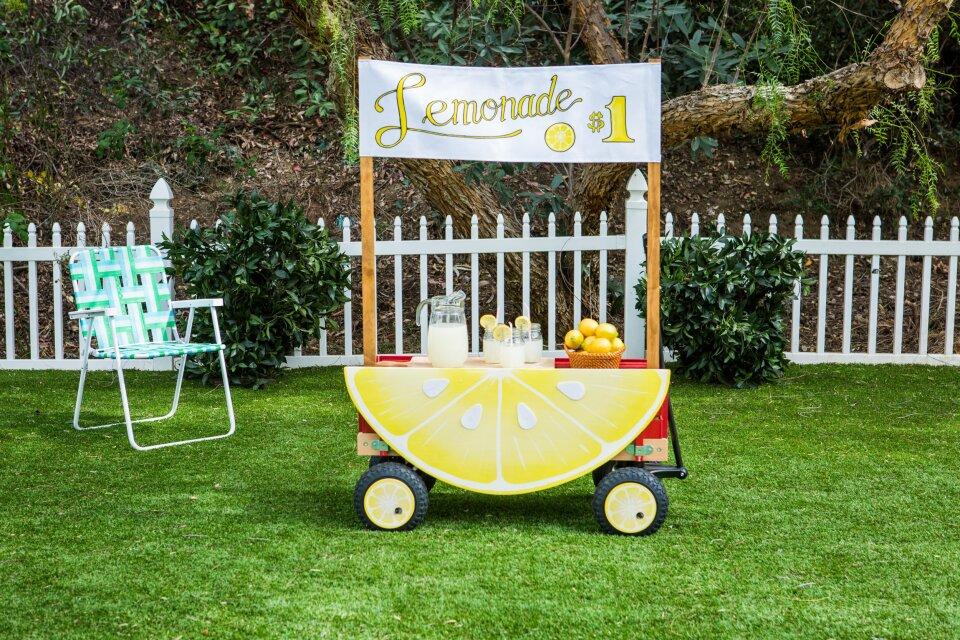 DIY Lemonade Wagon
