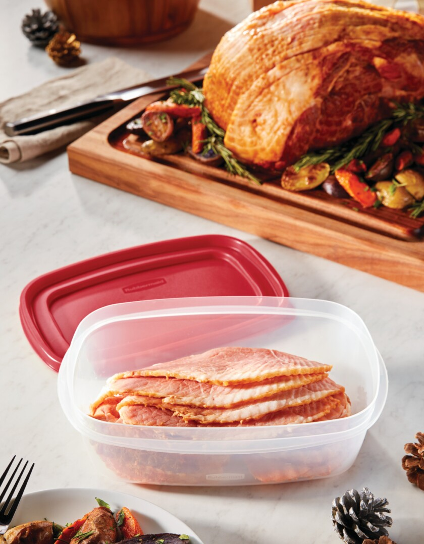2067177-rubbermaid-food-storage-efl-8.5c-rectangles-group-christmas-ham-countertop-angle-lifestyle.jpg