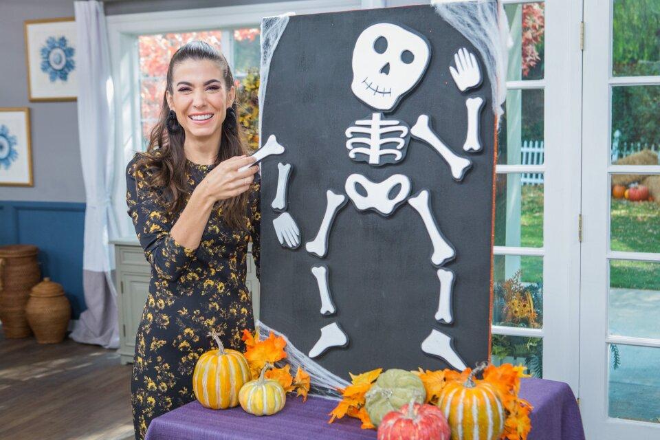 DIY Magnetic Halloween Door Décor