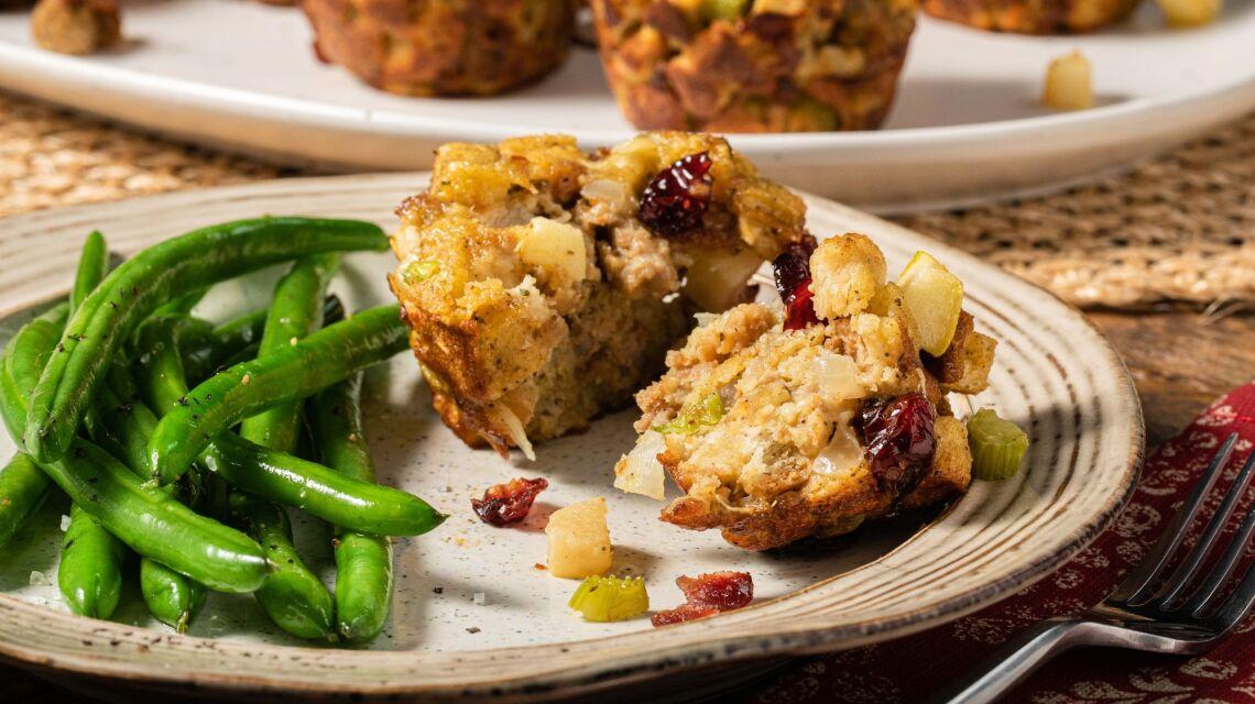 sausage_apple_and_sage_stuffing_muffins_4161.jpg