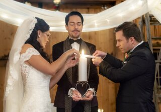 On Location - Signed, Sealed, Delivered: To the Altar