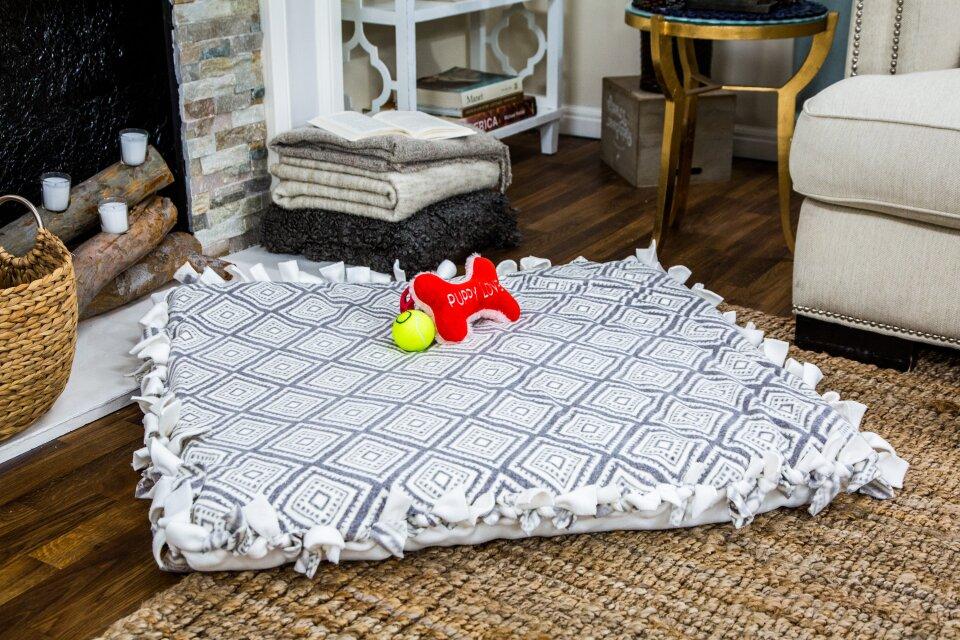 DIY No Sew Animal Bed