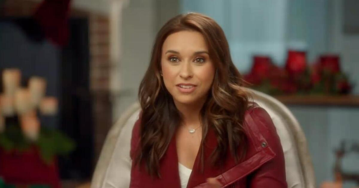 12 Days to Christmas - 11 Days - Lacey Chabert on ...