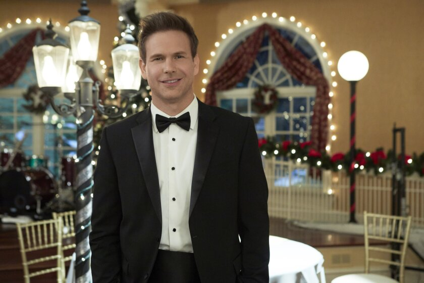 Photos from Christmas Wishes & Mistletoe Kisses - 10