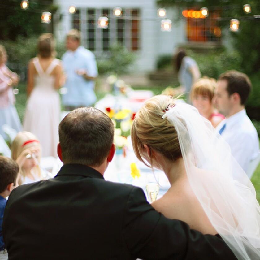9-Fun-Wedding-Reception-Ideas-600.jpg