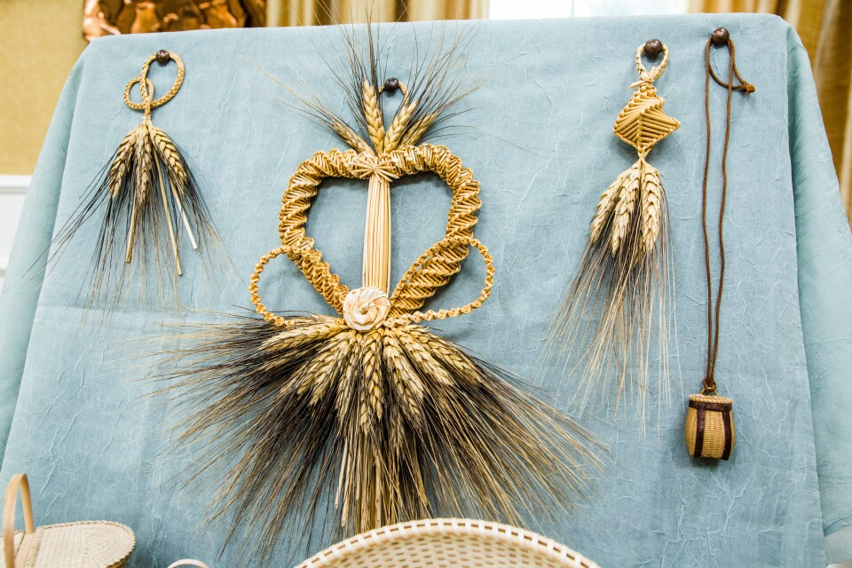 wheat-weaving.jpg