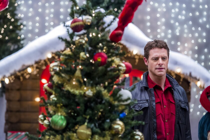 Photos from Charming Christmas - 10