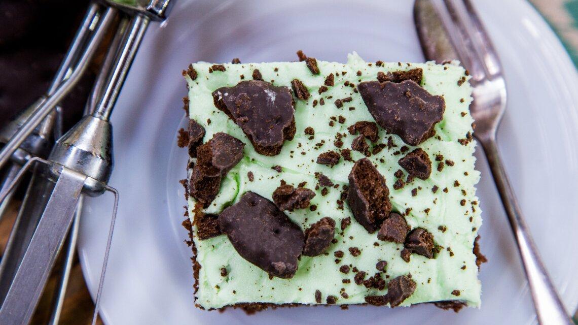 """""""Taste of Home"""" recipe Mint Cookies 'n' Cream Brownies"""