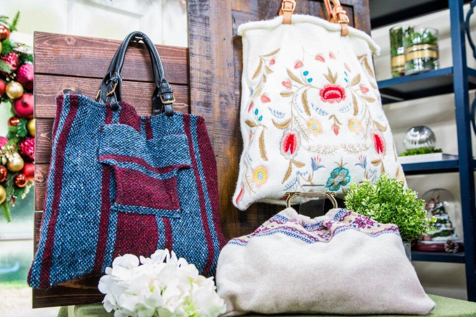 HF7083-Product-SweaterTote.jpg