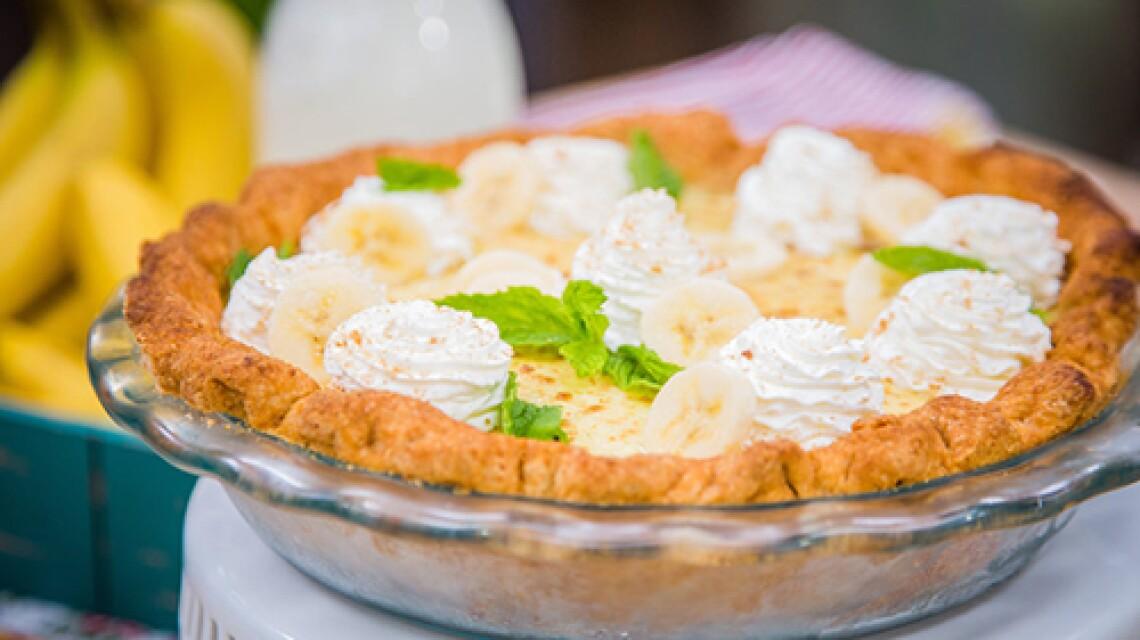 Cristina Cooks Banana Cream Pie