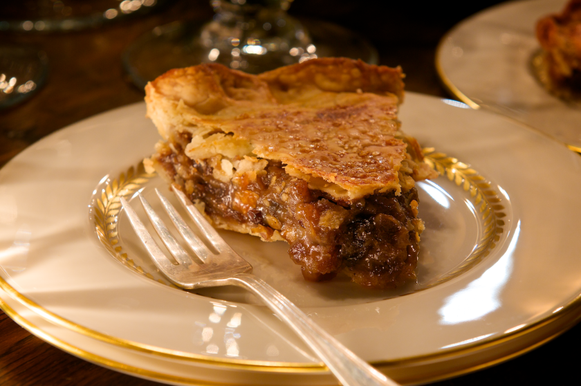 Holiday Mincemeat Pie.png