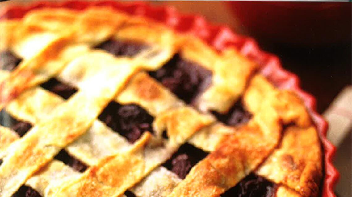 week-6-lattice-top-cherry-pie-image.jpg