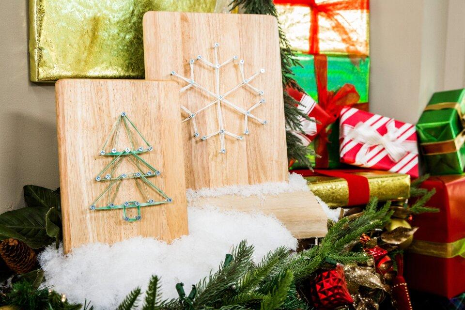 DIY Rubber Band Snowflake Art