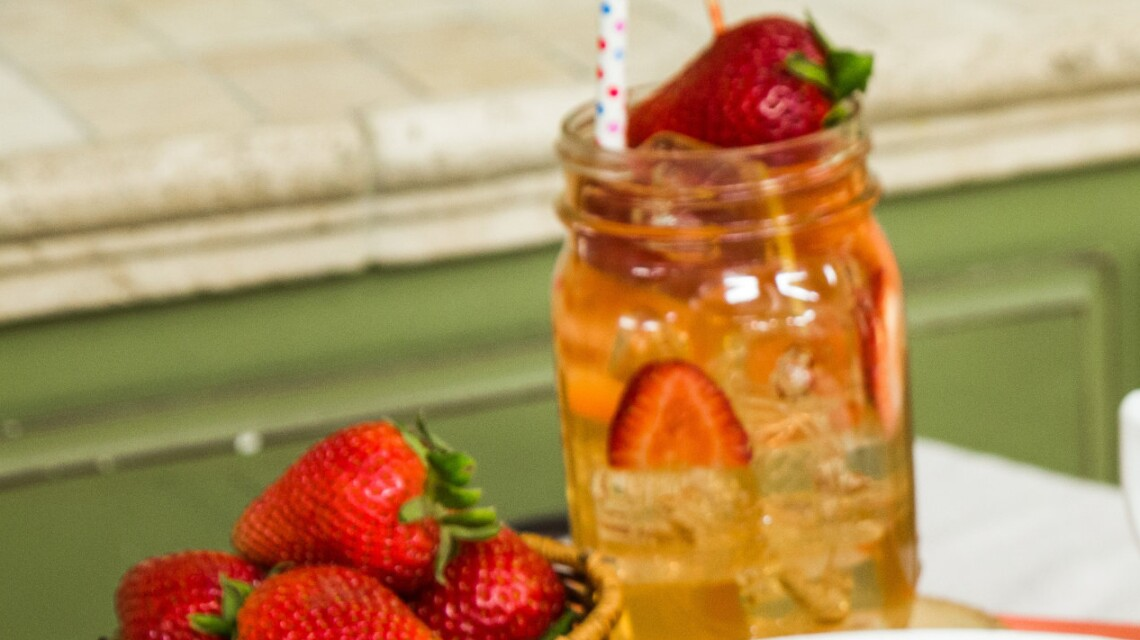 Georgia Strawberry Peach Tea
