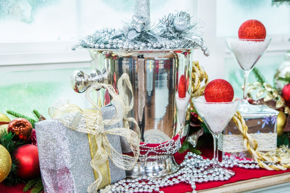 DIY White House Shimmering Topiary Champagne Bucket