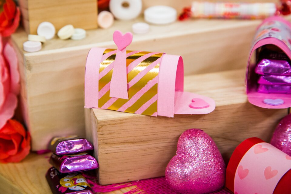 Chocolate Mailbox and Valentines Necklace Kits