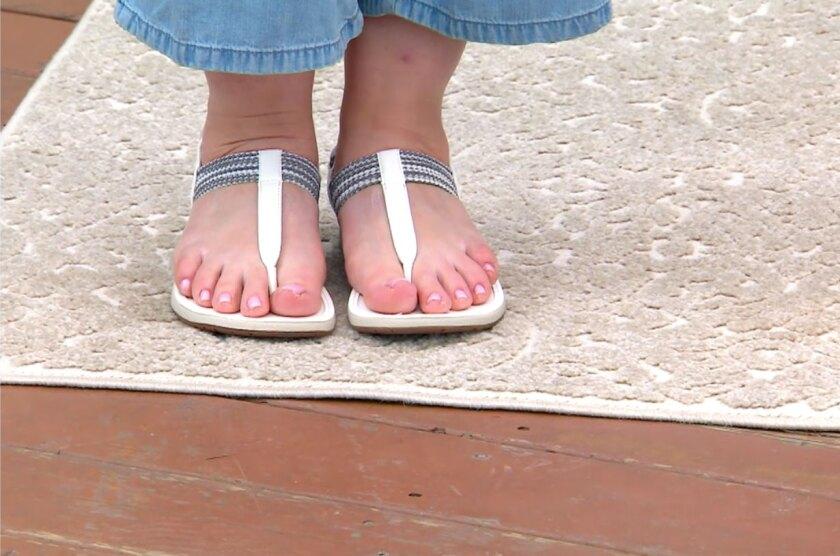 sandals-flats.jpg