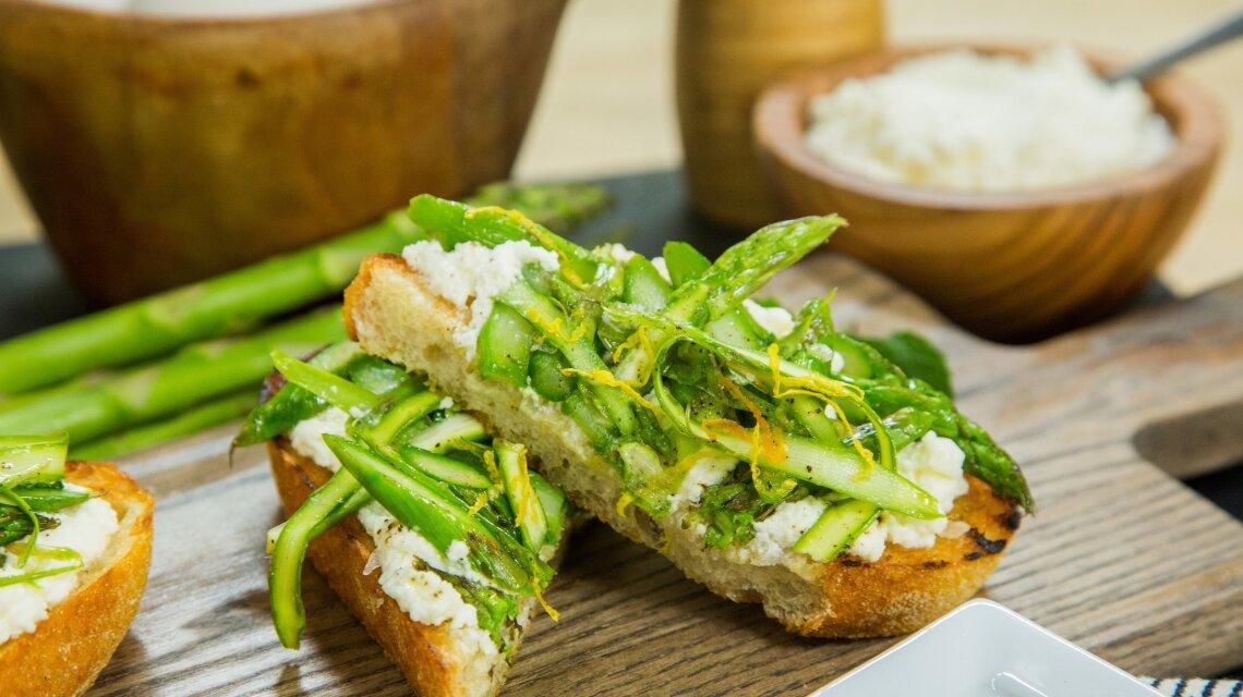 hf4125-product-asparagus.jpg