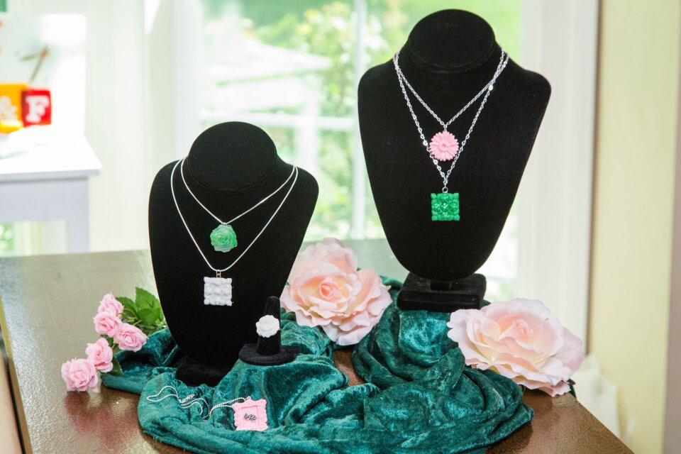 hf4030-product-jewelry.jpg