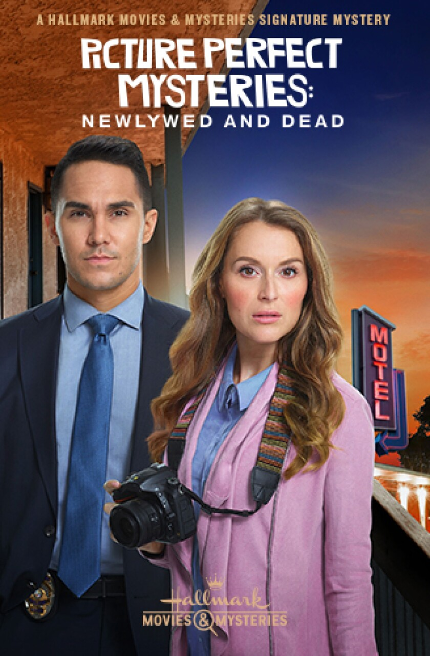 Best of 2019 - Picture Perfect Mysteries: Newlywed and Dead