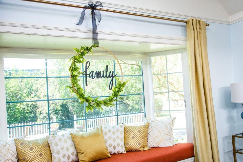 DIY Hula Hoop Wreath
