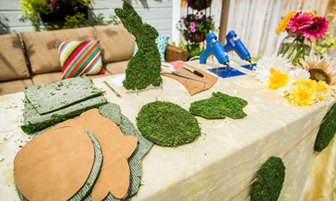 Jessie Jane's DIY Moss Bunny Garland