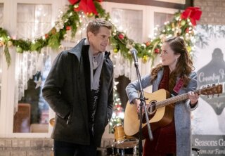 Preview - A Homecoming for the Holidays