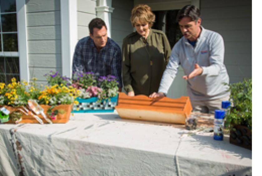 Image: http://images.crownmediadev.com/episodes/Medias/RichText/segfment-diy-window-box.jpg