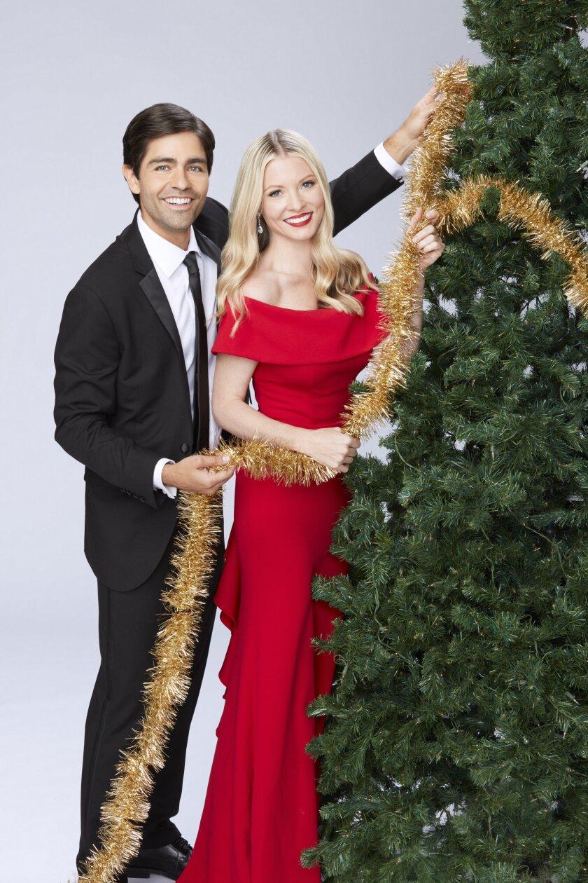 ChristmasatGraceland2_Owen_Harper_0568G_RT_RV2.jpg