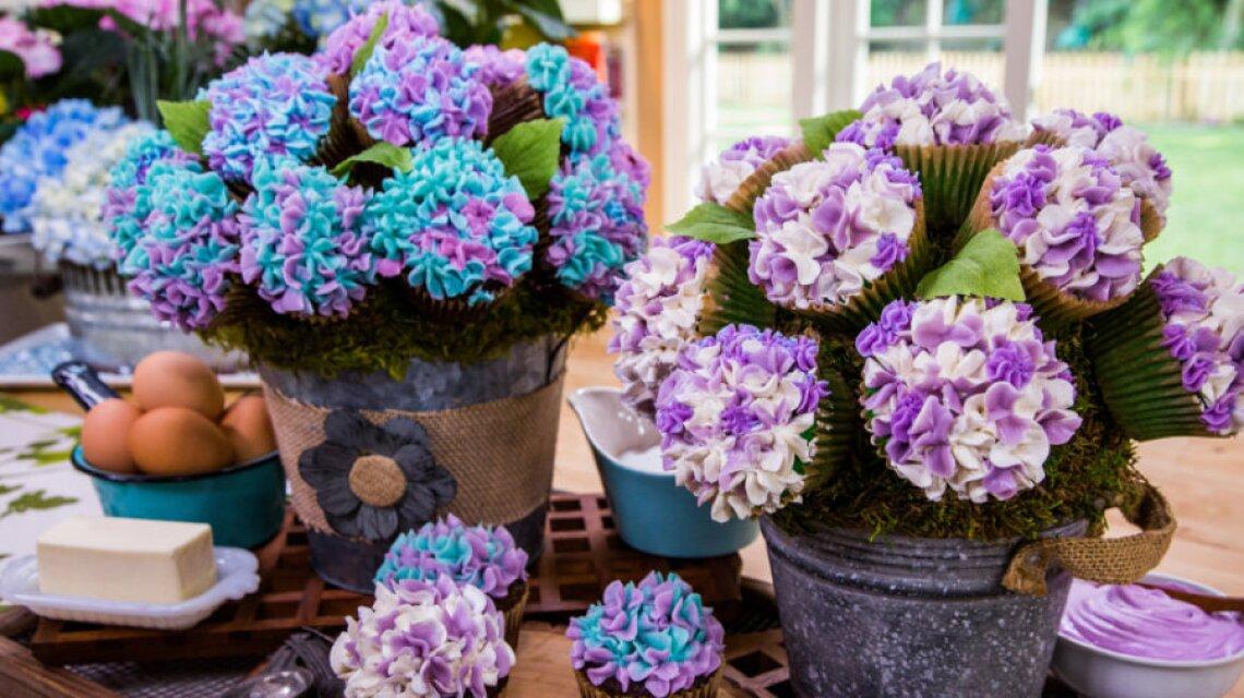 Cristina Cooks: Hydrangea Cupcake Bouquet