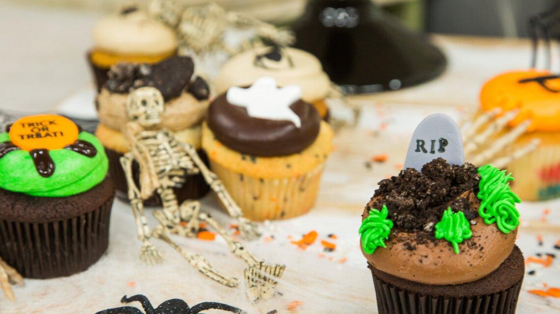Georgetown Cupcake Midnight Cookies & Creme Tombstone Cupcakes