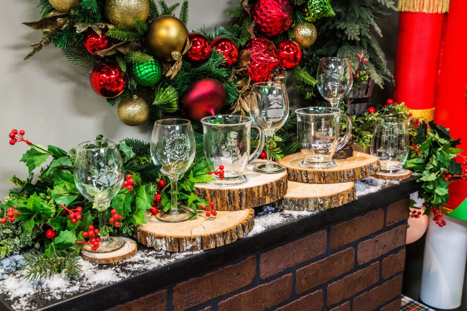 DIY Etched Christmas Glasses
