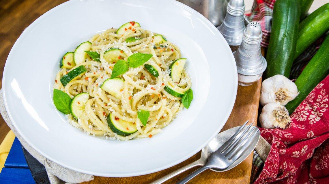 Summer Bucatini Pasta, Ricotta, Basil and Zucchini