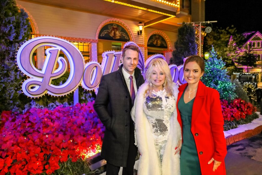 Countdown to Christmas Preview - Christmas at Dollywood