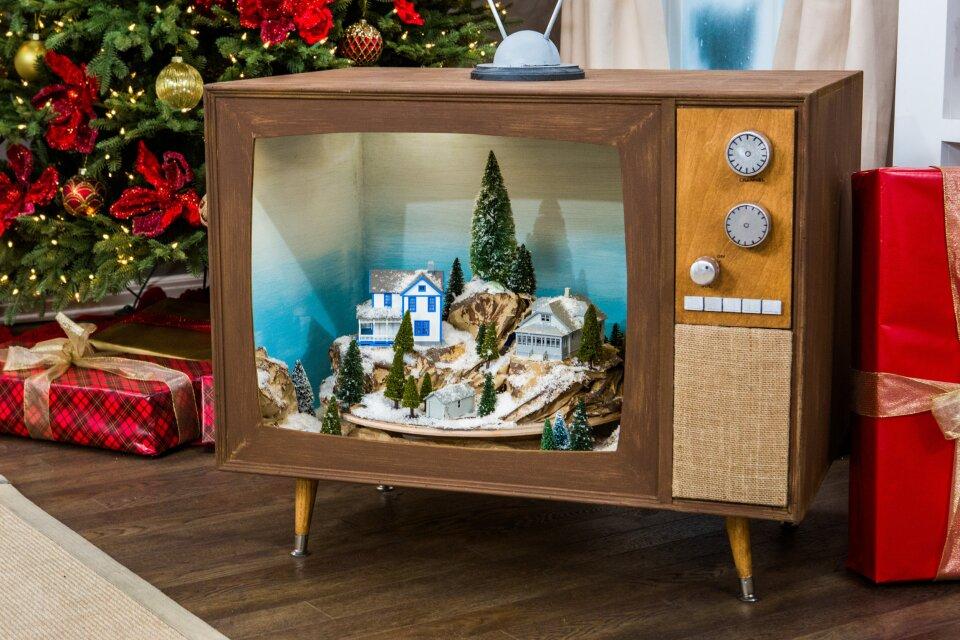 DIY TV Christmas Village