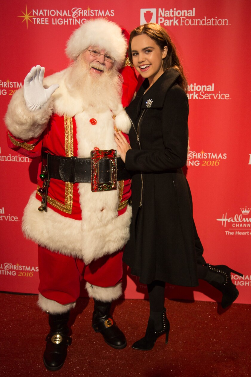Hallmark-Tree-Lighting_20161201_065.jpg